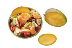 Ensalada de fruta en el cuenco imagen de archivo libre de regalías