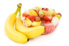Ensalada de fruta fresca con los plátanos Foto de archivo libre de regalías