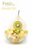 Ensalada de frutas frescas en blanco. Fotos de archivo libres de regalías