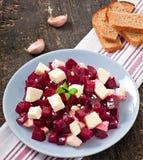 Ensalada de las remolachas con queso Feta Fotografía de archivo libre de regalías