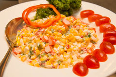 Ensalada de maíz fresca orgánica hecha en casa foto de archivo