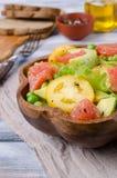 Ensalada de verduras frescas imagenes de archivo