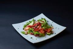 Ensalada de verduras frescas jugosas Pimientas dulces, lechuga, tomate Foto de archivo libre de regalías