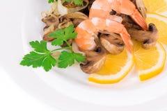 Ensalada del camarón con las setas Fotografía de archivo