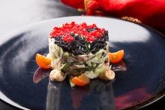 Ensalada del cangrejo servida con el caviar Fotografía de archivo