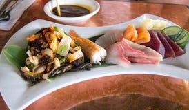 Ensalada del Sashimi y del calamar Imagen de archivo