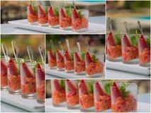 Ensalada fresca con los camarones, los salmones, el aguacate y las fresas Foto de archivo libre de regalías