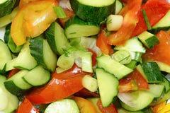 Ensalada fresca de pepinos y de tomates Fotos de archivo libres de regalías