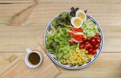 Ensalada mezclada fresca sana de las verduras Fotos de archivo