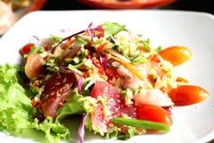 Ensalada picante de los mariscos, comida tailandesa Imagen de archivo libre de regalías