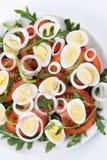 Ensalada sana con los huevos Foto de archivo