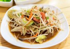 Ensalada tailandesa de la papaya de la comida con la ensalada del cangrejo imagenes de archivo