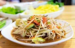 Ensalada tailandesa de la papaya de la comida con la ensalada del cangrejo foto de archivo