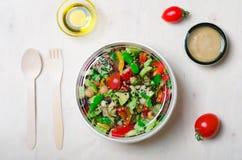 Ensalada vegetariana sana, comida deliciosa del vegano Fotografía de archivo libre de regalías