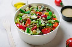 Ensalada vegetariana sana, comida deliciosa del vegano Imágenes de archivo libres de regalías