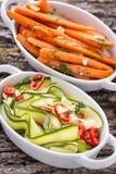 Ensaladas del calabacín y de la zanahoria Imagenes de archivo