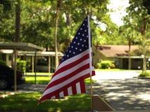 Ensam amerikanska flaggan Royaltyfri Fotografi