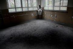 ensam asiatisk flicka fotografering för bildbyråer