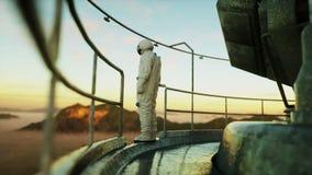 Ensam astronaut på den främmande planeten Marsinvånare på metallgrund Framtida begrepp 4K royaltyfri illustrationer