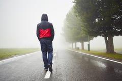 ensam man Fotografering för Bildbyråer