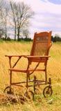 Ensam rullstol Fotografering för Bildbyråer