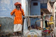 ensam sadhu varanasi Fotografering för Bildbyråer
