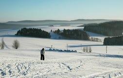 ensam skidåkning Fotografering för Bildbyråer
