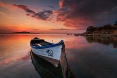 ensam solnedgång för fartyg Royaltyfria Foton
