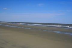 ensam strand Royaltyfri Bild