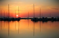 Ensam yacht Royaltyfria Foton