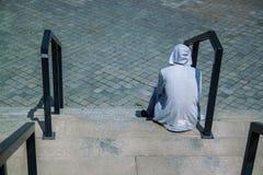 ensamhet, f?rdjupning och f?rkrossat begrepp arkivfoto