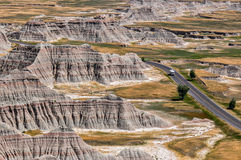Ensamma Campervan i Badlands nationalpark, South Dakota, USA royaltyfria foton