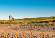 Ensamt hus på stranden Royaltyfria Bilder