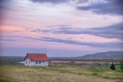 Ensamt isländskt hus Arkivbild