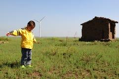 ensamt pojkefält Royaltyfri Fotografi