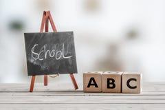 Enseñanza del alfabeto en la escuela Imagenes de archivo