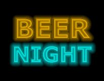 Enseigne au néon de nuit de bière dans orange et bleu photographie stock libre de droits