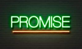 Enseigne au néon de promesse sur le fond de mur de briques illustration stock