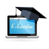 Enseignement à distance - chapeau d'ordinateur portable et d'universitaire, e-éducation Image libre de droits