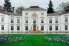 Ensemble antique de palais et de parc de Lazienki à Varsovie Image stock