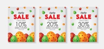 Ensemble blanc d'affiche ou d'insecte de vente de Pâques avec les oeufs colorés Campagne publicitaire dans la vente au détail, ve illustration libre de droits