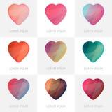 Ensemble coloré de la meilleure qualité d'icônes géométriques de coeurs de logo dans le bas poly style Images stock