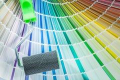 Ensemble d'échantillonneur de couleur de rouleau de peinture sur le fond blanc Photo stock