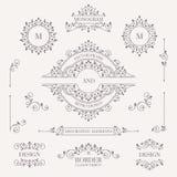 Ensemble d'éléments décoratifs Monogrammes décoratifs, frontières, cadre Images stock
