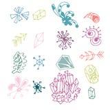 Ensemble d'éléments tiré par la main coloré d'imagination d'isolement sur le fond blanc Collection de différentes formes original illustration libre de droits