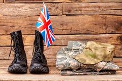 Ensemble d'équipement militaire de soldat britannique photos stock