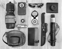 Ensemble d'accessoires de voyage de vintage Photos stock