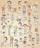 Ensemble d'adolescents chanteurs drôles Image libre de droits