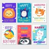 Ensemble d'affiche mignonne d'animaux La carte de voeux mignonne de joyeux anniversaire pour le style de bande dessinée d'amuseme Photo stock