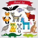 Ensemble d'animaux drôles de bande dessinée sur un fond blanc Images stock